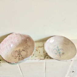 bowls with fleur de lys