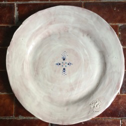 plate with dots cross
