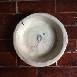 bowl with O